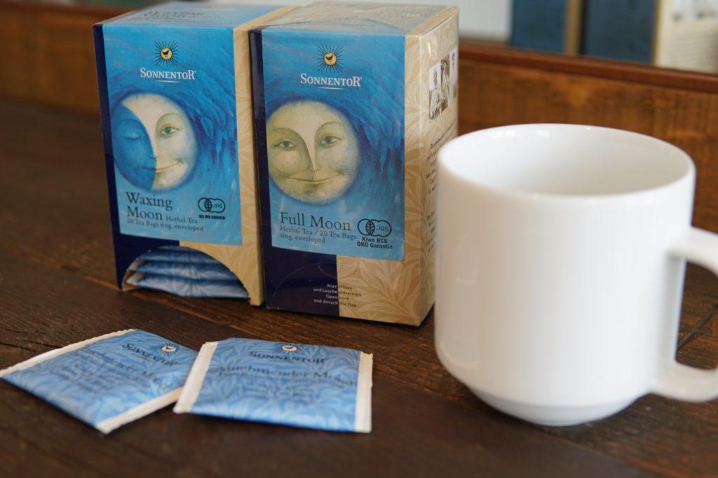 月のリズムで飲むお茶